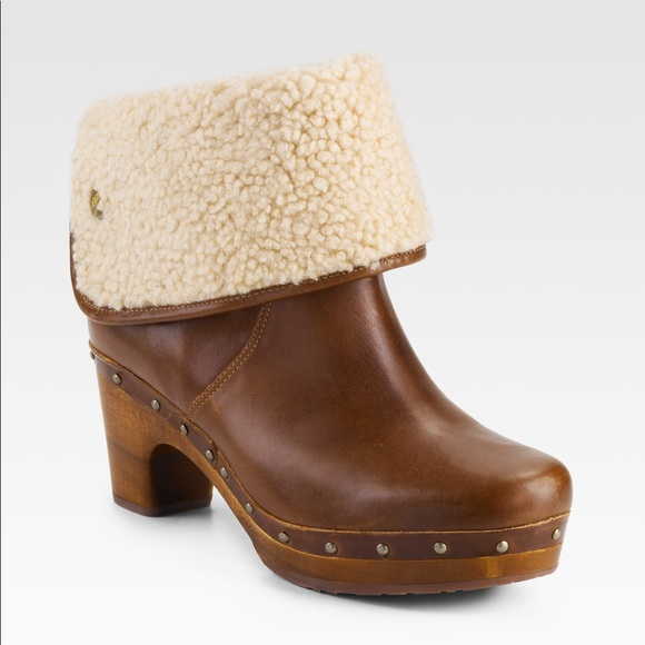 UGG Lynnea Clog Shearlined Ankle Boot (Brown)